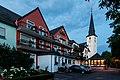 Detzem, Hotel -Zum Anker- und St.-Agritus-Kirche -- 2015 -- 7549.jpg