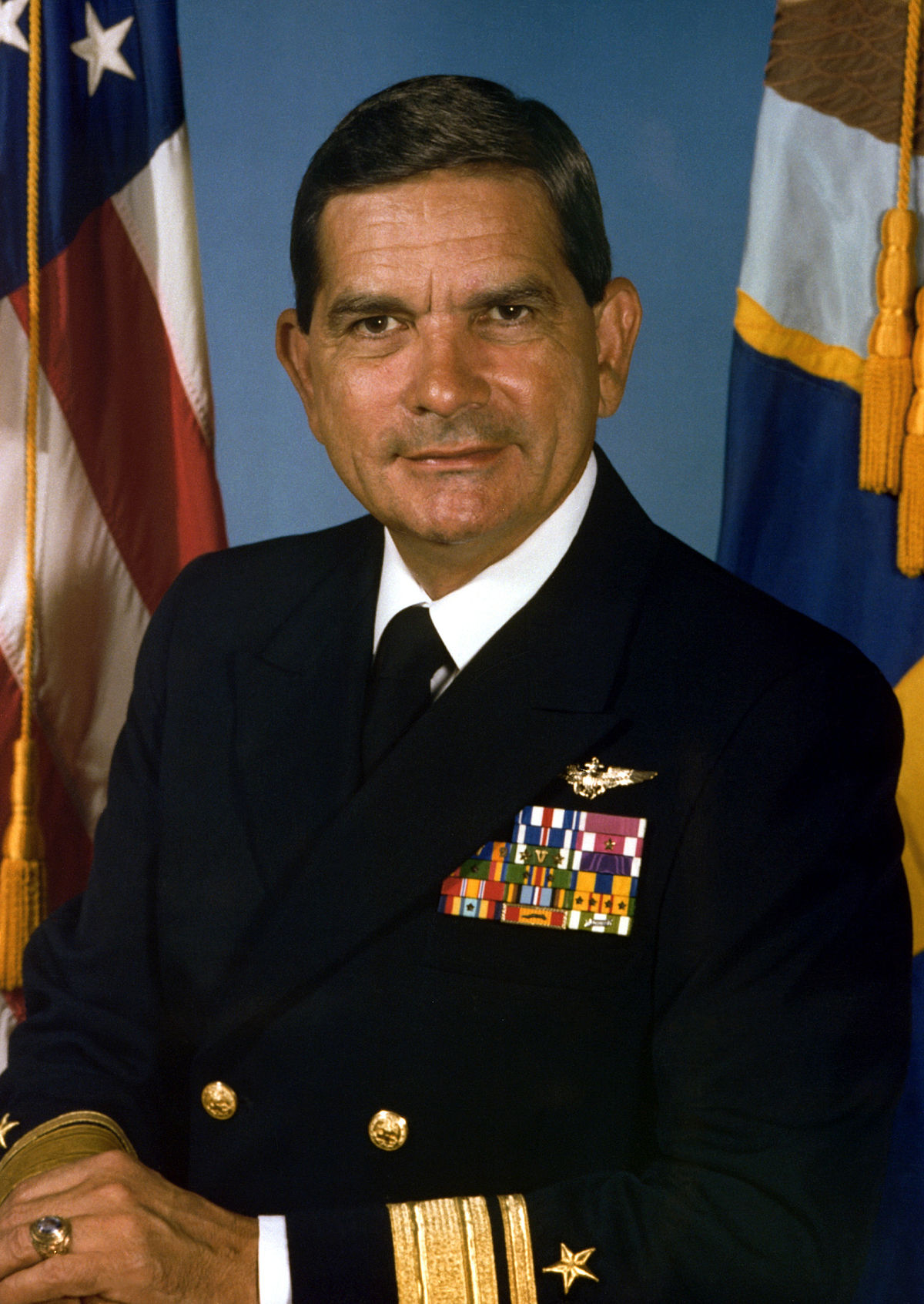 Diego E. Hernández - Wikipedia