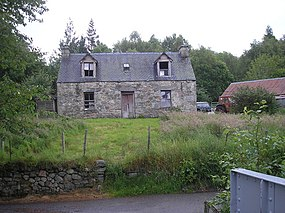 Dilapidated croft at Achluachrach - geograph.org.uk - 483795.jpg