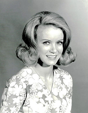 Love Is a Many Splendored Thing (TV series) - Donna Mills as Laura Donnelly Elliott in 1967
