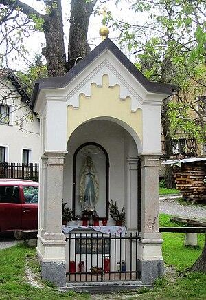 Dvor pri Polhovem Gradcu - Image: Dvor pri Polhovem Gradcu Slovenia chapel shrine