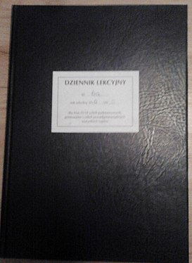 https://upload.wikimedia.org/wikipedia/commons/thumb/f/f3/Dziennik_Lekcyjny.jpg/273px-Dziennik_Lekcyjny.jpg