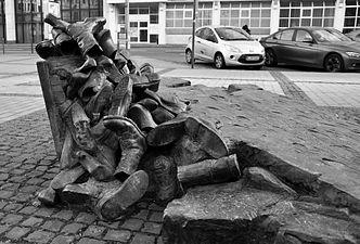 Edith-Stein-Denkmal Köln 03.jpg