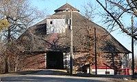 Ehlers round barn from W 2.JPG