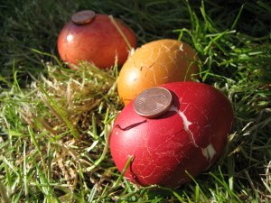 Eier mit Muenzen