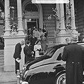 Einde van het feest vertrek Koninklijke gasten Sjah en Farah Diba (Amstel-hotel), Bestanddeelnr 913-8643.jpg