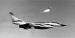Ejection d'une capsule de sauvetage d'un B-58.png