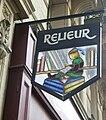 Enseigne de relieur, rue de Bourgogne, Paris 7.jpg