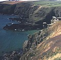 Entrance to Housel Cove - geograph.org.uk - 481173.jpg