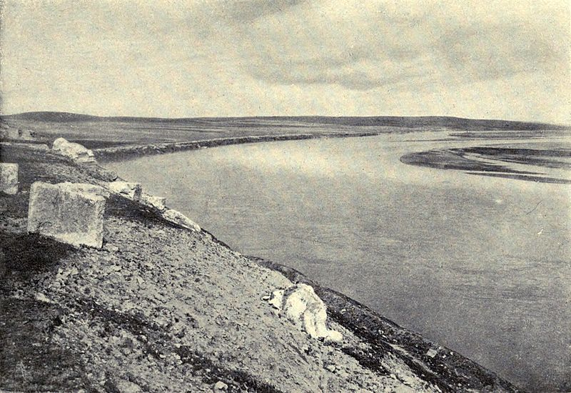 Archivo:Euphrates from The Mound of Carchemish. Accidents of an antiquary's life. 1910.jpg