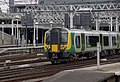 Euston station MMB 53 350247.jpg