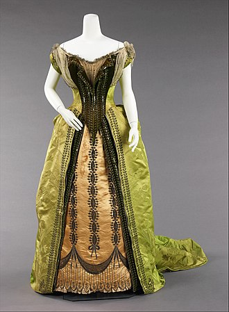 House of Worth - Image: Evening ensemble MET 26.359a b front CP4