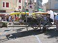 Fête de la lavande d'Apt Ancienne charette pour le transport des bottes de lavande.jpg