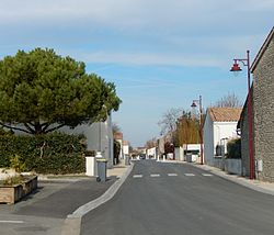 FR 17 Saint Ouen d'Aunis - Rue Marie-Louise Cardin.jpg