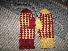 Un paio di guanti a manopola