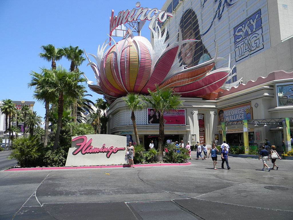 Las Vegas Shows Schedule Here are Las Vegas shows playing in and ! You can find here Cirque du Soleil, Le Reve, magic by David Copperfield and Criss Angel, entertainers Donny and Marie, Blue Man Group, shows for adults and for kids, comedies, and even Broadway musicals.