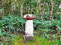 Flickr - ronsaunders47 - NOW THIS IS WHAT I CALL A TOADSTOOL ^.jpg