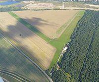 Flugplatz Böhlen 02 cropped.jpg