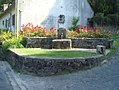 Fontaine fleurie.jpg