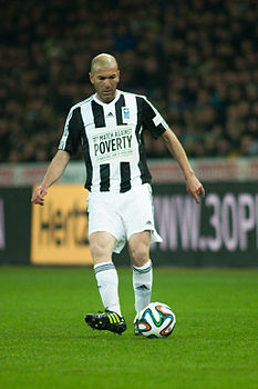 Football against poverty 2014 - Zidane (3).jpg
