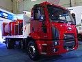 Ford Cargo 1519 2014 (14260988524).jpg