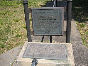 Fort Walton Mound - Image: Fort Walton Temple Mound Plaque