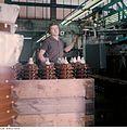 Fotothek df n-15 0000316 Facharbeiter für Sintererzeugnisse.jpg