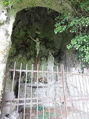 Français : Fourmies (Nord, Fr) grotte de Lourdes