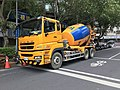 Fuso Super Great Cement Mixer Truck of Zeng Chen Industrial at Sanmin Road, Songshan, Taipei 20171031.jpg