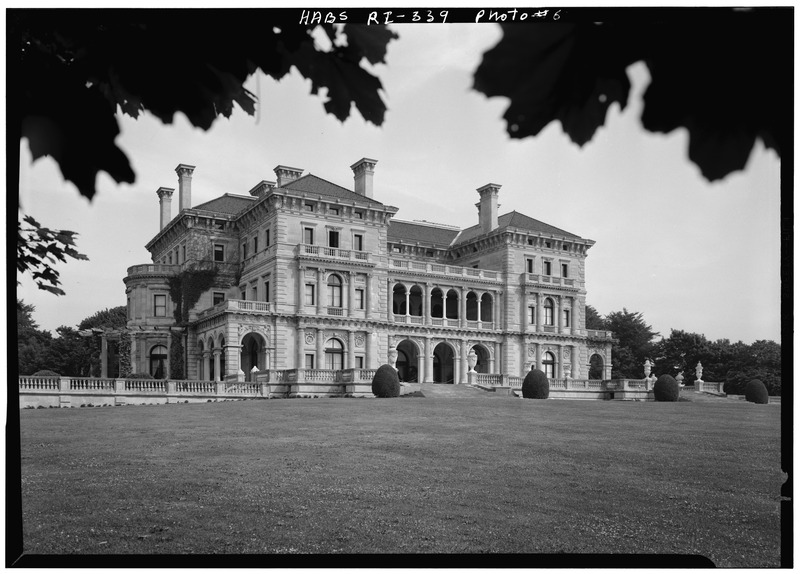 File:GENERAL VIEW FROM THE SOUTH - The Breakers, Ochre Point Avenue, Newport, Newport County, RI HABS RI,3-NEWP,67-6.tif