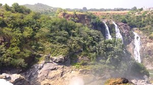 File:Gaganchuki falls, Shivanasamudram, Karnataka.webm