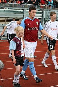 Gareth Barry Aston Villa-FH 067.jpg
