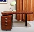 Gilbert rohde per hermann miller, inc., tavolino paldao ectoplatic n. 4106, zeeland MI 1940 ca., con cobra desk lamp, greta magnusson grossman, 1948-49.jpg