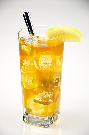 English: A Glass of iced tea.