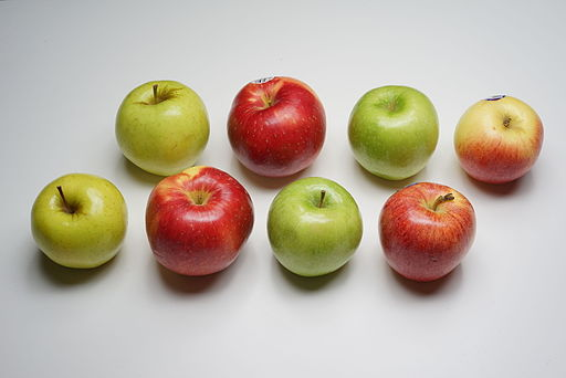Golden Delicious, SweeTango, Granny Smith, and Gala apples 3