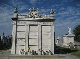 Greenwood Cemetery, New Orleans - Image: Greenwood Cem 12Nov 07Police Crypt