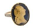 Gustaf IIIs revolutionsring av guld med emalj, 1770-tal - Hallwylska museet - 110241.tif
