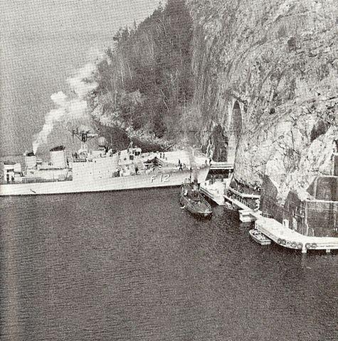 475px-HMS_Sundsvall_in_Tunnel.jpg