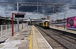 Harrow and Wealdstone station MMB 11 350121.jpg