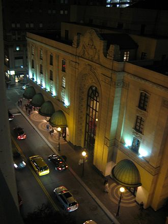 Heinz Hall for the Performing Arts - Image: Heinz Hall at Night