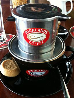 Highlands Coffee drip filter and cup