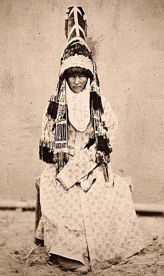 Kazakh clothing - Kazakh bride in traditional wedding dress