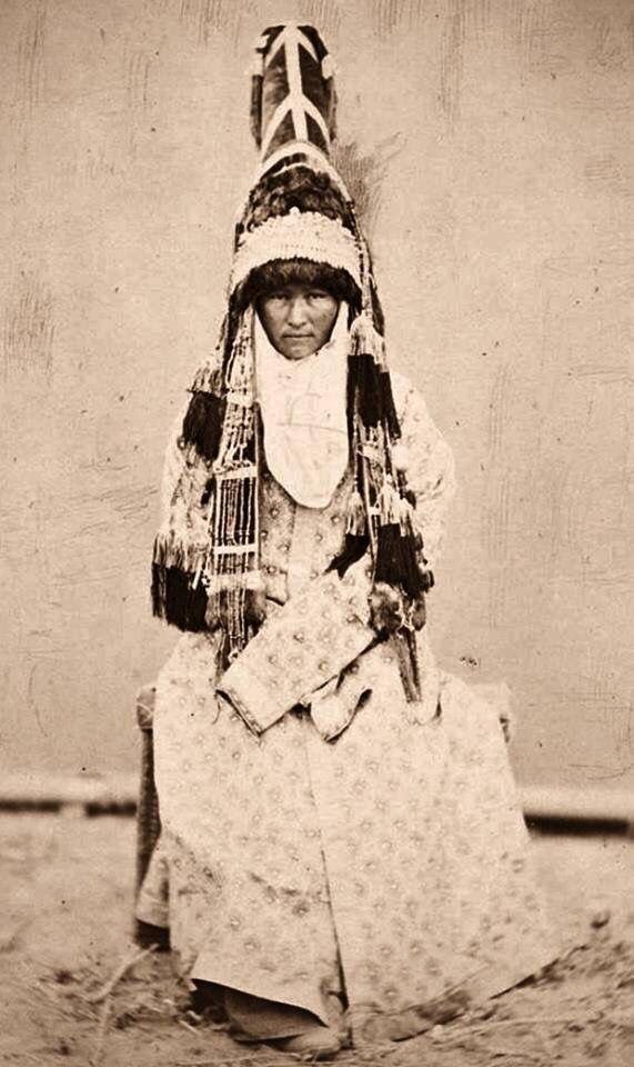Historical Kazakh wedding garb photo