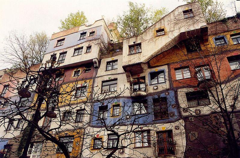 Soubor:Hundertwasserhaus 3.jpg