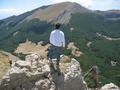 Il versante settentrionale di serra Dolcedorme (dalla cima meridionale di Serra delle Ciavole).PNG