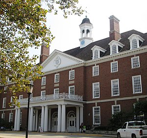 Illini Union - Image: Illini Union University of Illinois front