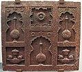 India moghul, pannello architettonico con nicchie (chini khana), 1620 ca..JPG