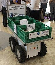 Innorobo 2015 - Effidence - Effi-BOT (robot suiveur).JPG