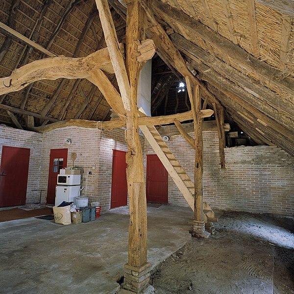 File interieur boerderij deel overzicht kapconstructie for Boerderij interieur