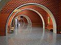 Interior de l'aulari sud del campus dels Tarongers de València, arcs.JPG